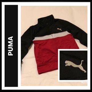 Puma Jacket with 2 pockets and zippered front